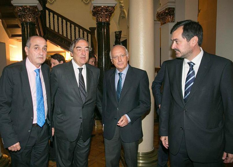 ASAMBLEA CEOE ARAGON CON ROSELL 18MAYO LARRINAGA (CALLIZO ROSELL AGUIRRE MUR)